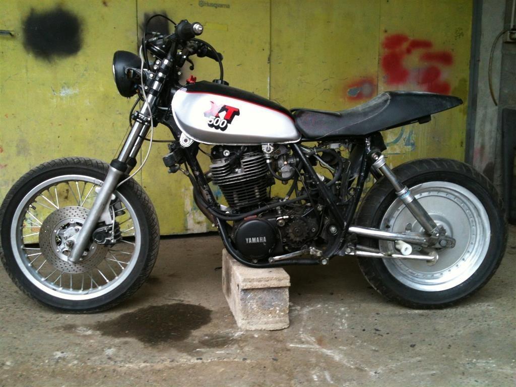 XT500MONOKROM03