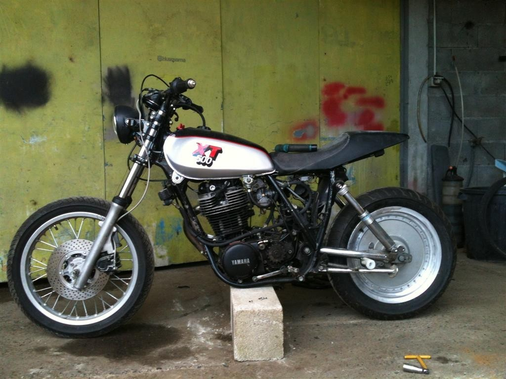 XT500MONOKROM07